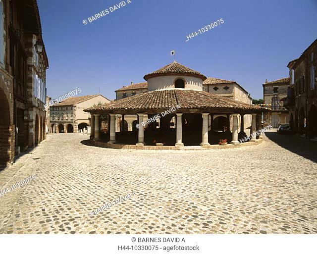 10330075, Auvillar, France, Europe, historical, marketplace, Place de la Halle, rotunda, columns, Tarn et Garonne