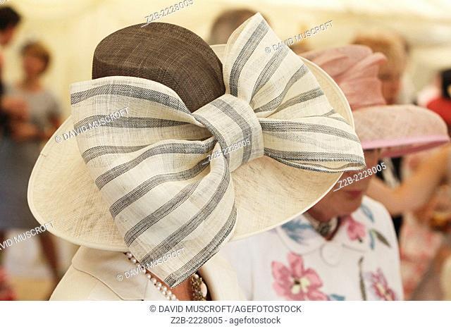 Wedding hat female apparel