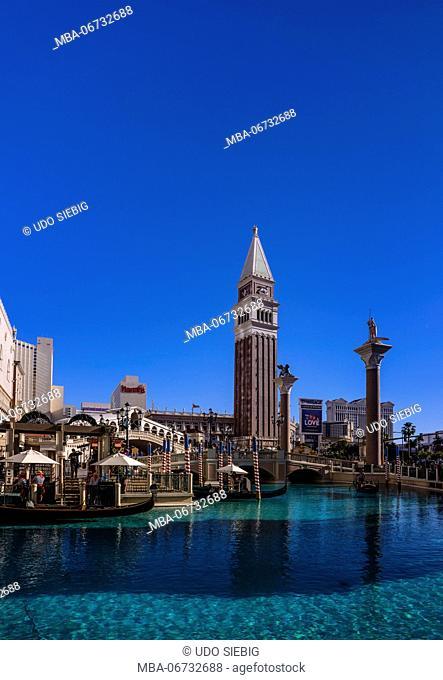 The USA, Nevada, Clark County, Las Vegas, Las Vegas Boulevard, The Strip, The Venetian, Canale Grande, Rialto bridge and Campanile