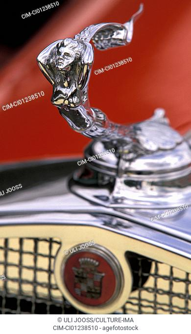 Car, Cadillac V16, vintage car, red, model year 1930-1931, convertible, 1930s, thirties, detail, details, hood ornament, technics, technical, technically