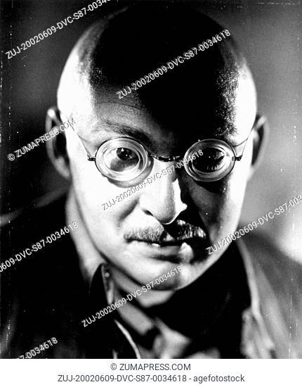 1940, Film Title: DR. CYCLOPS, Director: ERNEST SCHOEDSACK, Studio: PARAMOUNT, Pictured: ALBERT DEKKER, CYCLOPS, MOUSTACHE, MAD SCIENTIST, GLASSES, BALD, ALIEN