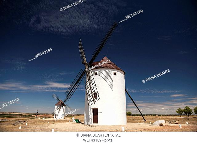 In this adventure, discover Don Quixote's La Mancha from north to south. The trip begins in Campo de Criptana, at the foot of the famous windmills that scatter...