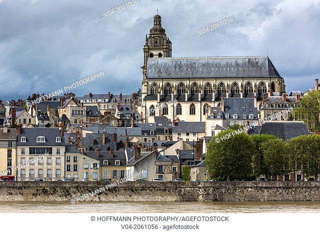 View of Blois with the historic Blois Cathedral (Cathédrale Saint-Louis de Blois) on the Loire River, Loir-et-Cher, France, Europe