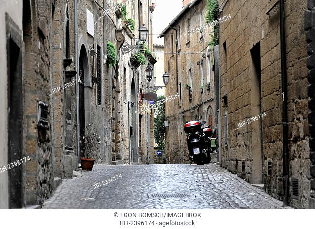 Alleyway in the historic centre of Orvieto, Italy, Europe