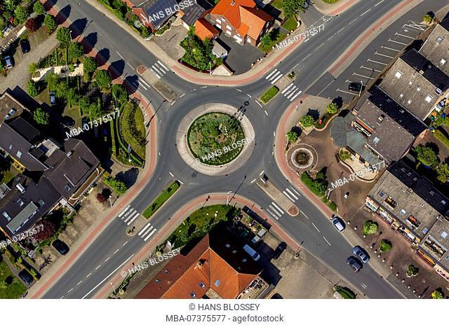 Werner Straße roundabout with maypole, In der Eika, Stockum, Werne, Ruhr area