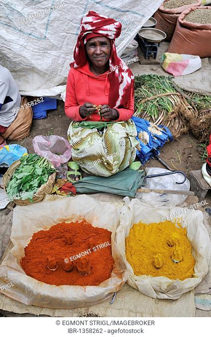 Ethiopian woman at the market of Arsi Negelle selling Piripiri, Oromia, Ethiopia, Africa