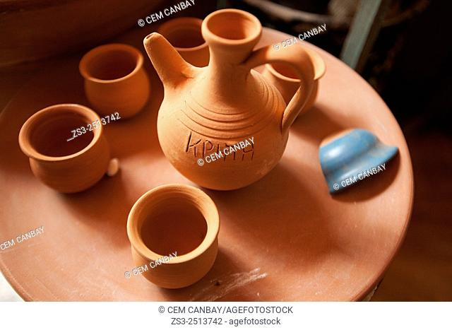 Pottery in town center, Rethymno, Crete, Greek Islands, Greece, Europe