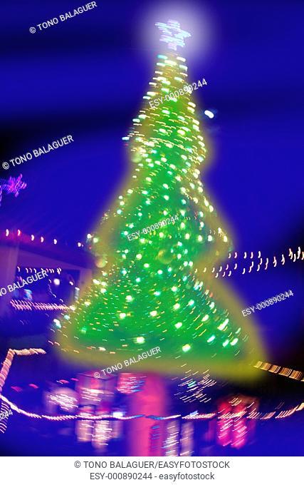 abstract christmas tree night blurred lighting