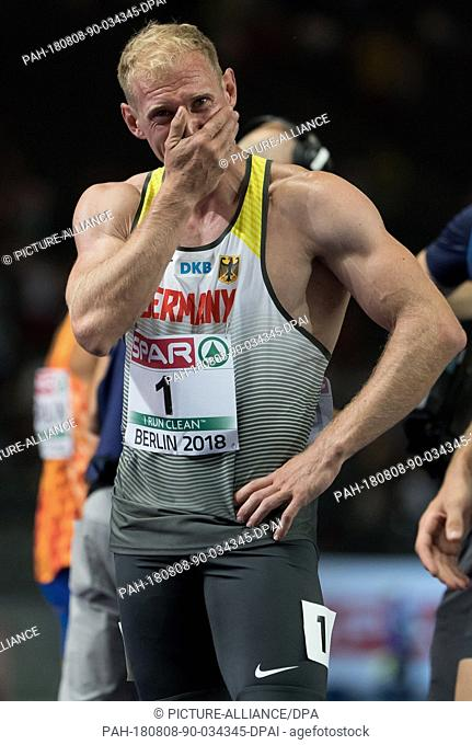 08.08.2018, Berlin: Athletics: European Championships in the Olympic Stadium: Decathlon 1500 m, Men: Arthur Abele from Germany cheers at the finish