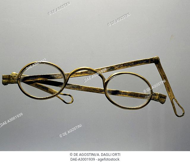 Spectacles with folding arms from the beginning of the 1800s. Italy, 19th century.  Private Collection