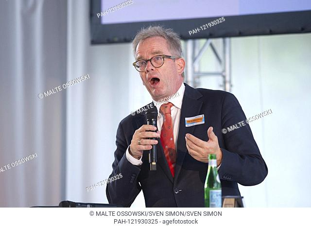 Prof. Andreas KRUSE, psychologist, gerontologist and demographer as well as responsible author of the national reports of the Bundestag, Ruhr conference