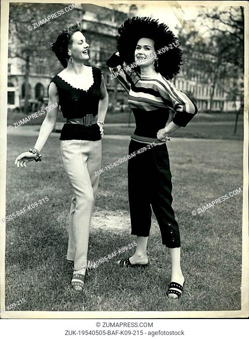 May 05, 1954 - Crepella' fashions on show.: A display of clothes knitted from 'Crepella ', a unique crepe hand knitting yarn