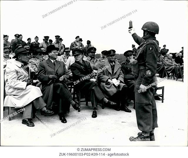 Jan. 09, 1958 - European Defence delegates visit Lulworth. Dr. Speidel watches smoke grenade demonstration. 1-5-53 ?¢'Ǩ'Äú Delegates from the European Defence...