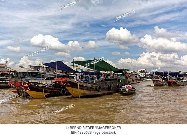 Boats in the Mekong Delta, floating market, Vietnam