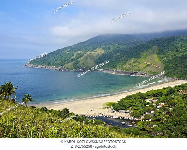 Brazil, State of Sao Paulo, Ilhabela Island, Elevated view of the beach and port in Bonete.