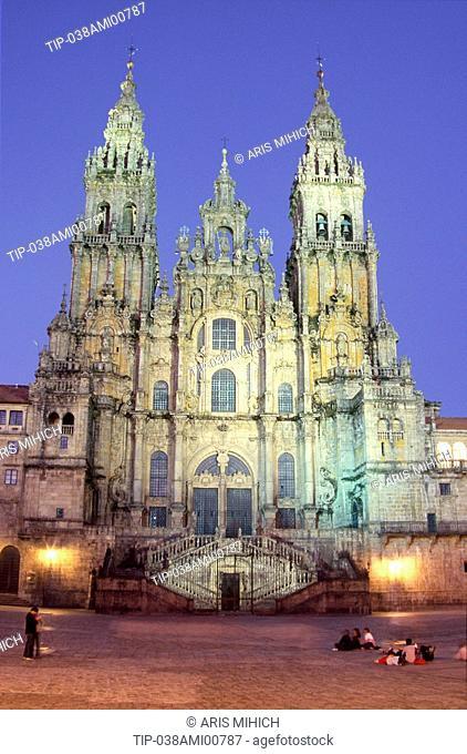 Spain, Galicia, Santiago de Compostela, the cathedral at dusk