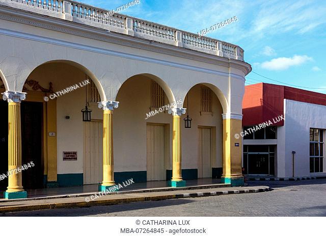 Cuba, Santa Clara, Parque Leoncio Vidal, building, colonial style