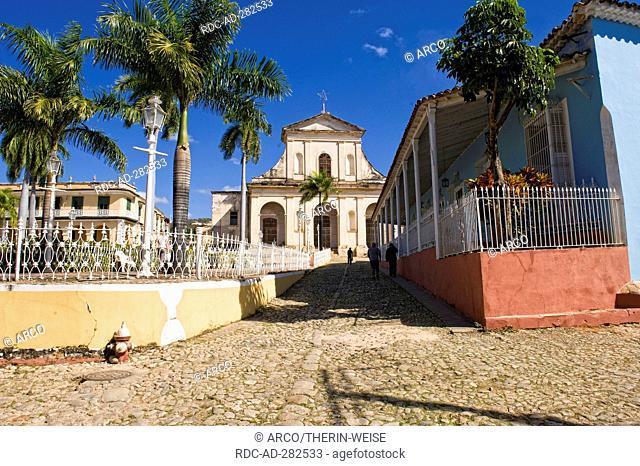 Main square, Plaza Mayor, church Parroquial Mayor, Santisima Trinidad, Trinidad, Sancti Spiritus Province, Cuba