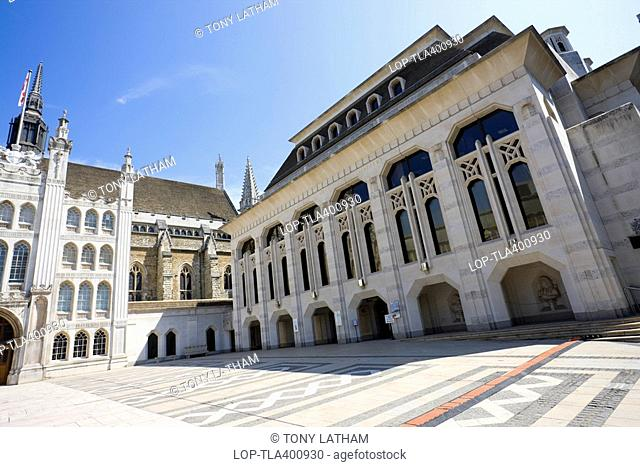 The Guildhall and the Guildhall Gallery. The Guildhall is home to the City of London corporation. The Lord Mayor of London used to hold court here at a time...