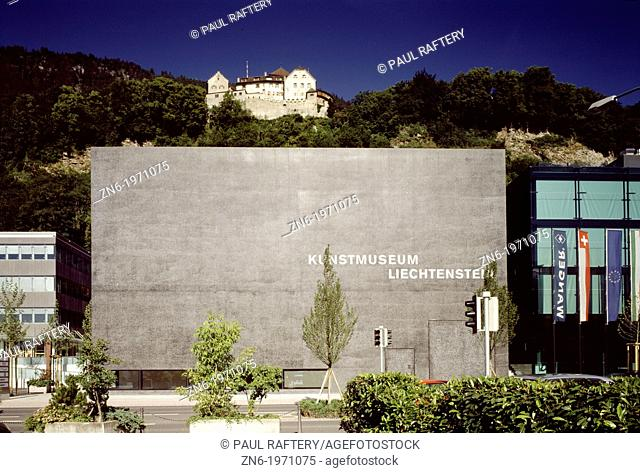 KUNSTMUSEUM LIECHTENSTEIN ART GALLERY, STADTLE 32, VADUZ, LIECHTENSTEIN, MEINRAD MORGER & HEIRI DEGELO/CHRISTIAN KEREZ, EXTERIOR