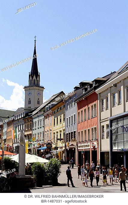 Main square, with church St. Jakob, Villach, Carinthia, Austria, Europe