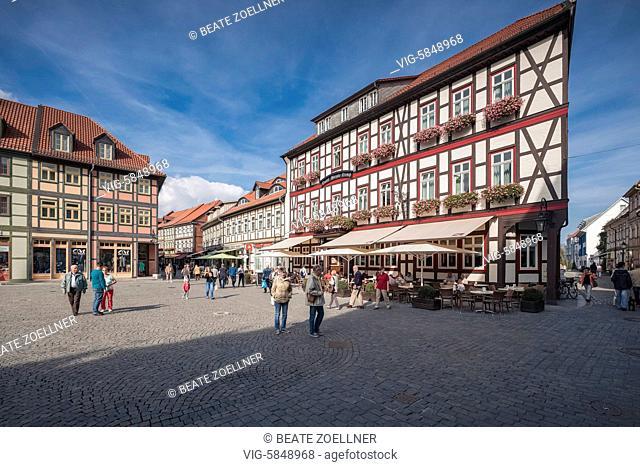 Auf dem Marktplatz in Wernigerode am Harz, spätsommerlich - Wernigerode, Sachsen-Anhalt, Germany, 22/09/2016