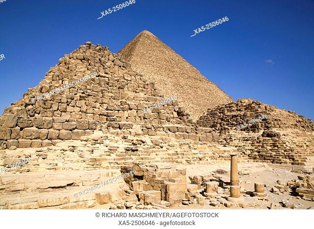 Queen's Pyramids and Eastern Cemetery (foreground), Great Pyramid of Cheops (background), The Giza Pyramids, Giza, Egypt