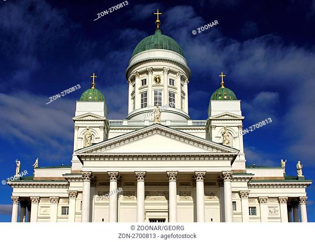 Türme des Doms von Helsinki, Finnland / Towers of the Helsinki Lutheran Cathedral, Helsinki, Finland