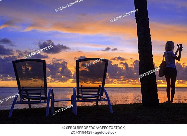 Sunset at Meridien Hotel on the island of Tahiti, French Polynesia, Tahiti Nui, Society Islands, French Polynesia, South Pacific
