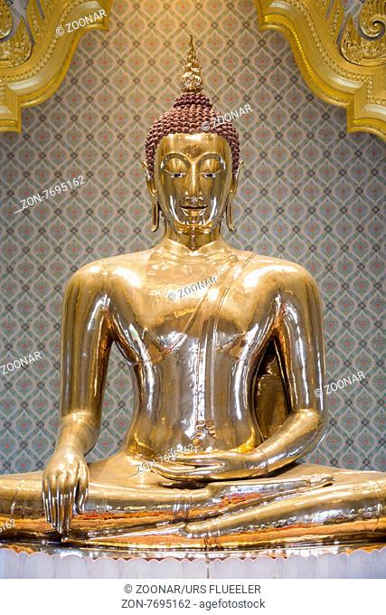The Gold Buddha at the Temple Wat Traimit in the China Town of Bangkok in Thailand in Southeastasia