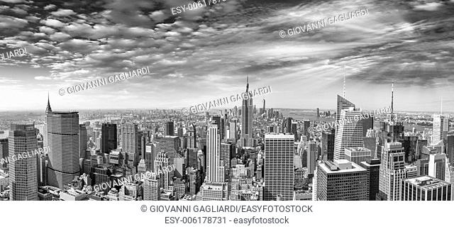 Midtown and Lower Manhattan aerial view on a beautiful sunny day - New York