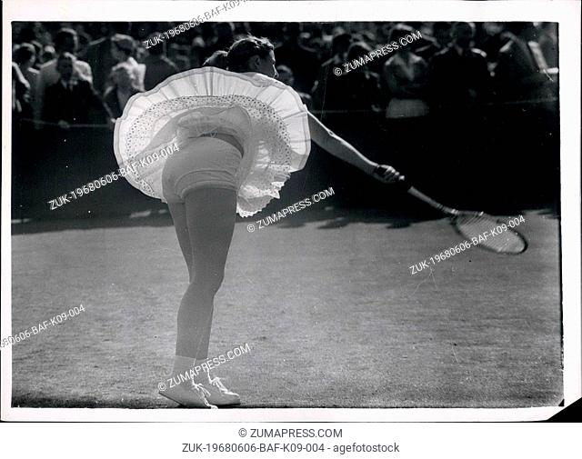 Jun. 06, 1968 - Wimbledon championships - Second day. Photo shows Miss F. De La Courtie, of France displays her panties not gold ones during her match against...