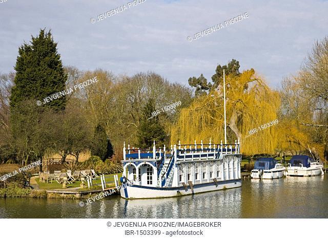 The Swan at Streatley hotel near Thames, Streatley, Berkshire, England, United Kingdom, Europe