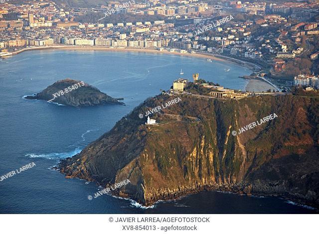 Monte Igueldo and Bahia de La Concha, San Sebastián (Donostia), Gipuzkoa, Basque Country, Spain