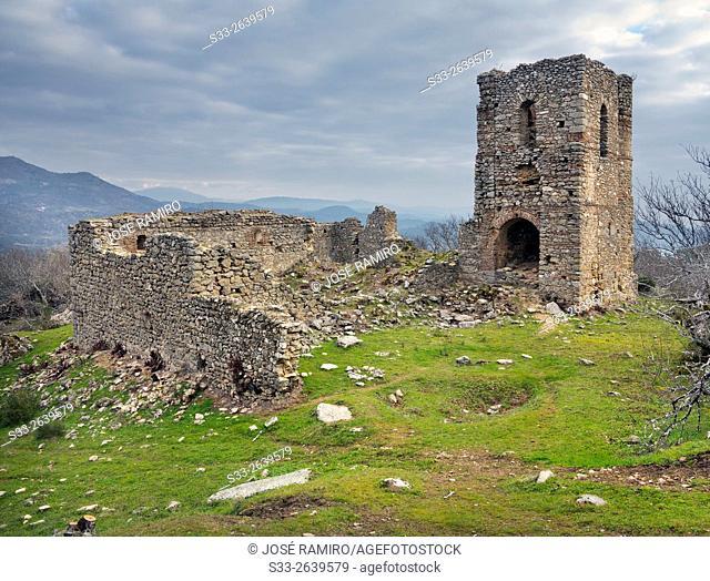 Ruins of Bayuela castle. Castillo de Bayuela. Toledo. Castilla la Mancha. Spain. Europe