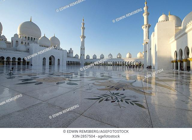 United Arab Emirates - Sheikh Zayed Mosque in Abu Dhabi