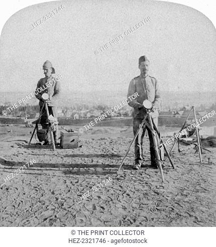 British heliographing from the Johannesburg Fort the news of the occupation, Boer war, 1900. Johannesburg was captured by the British on 31st May 1900