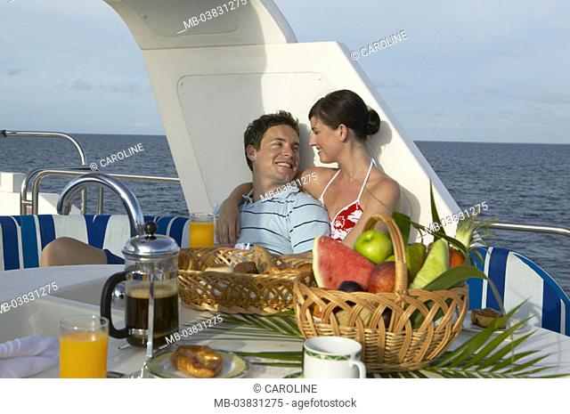 Yacht, sundeck, couple, falls in love, Breakfasts,   Series, ship, deck, love couple, breakfast, embrace, gaze contact, cheerfully, happily, love, relaxation