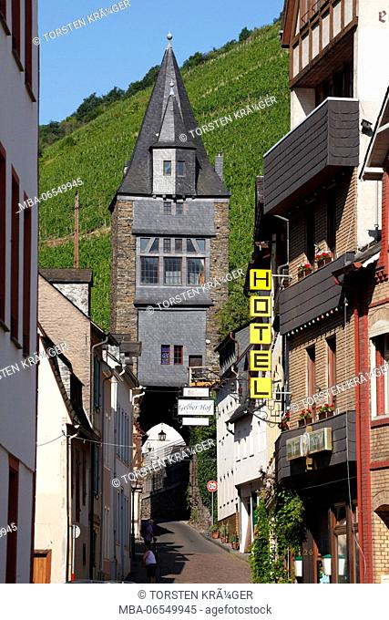 Steeger gate, half-timbered houses in the old town, Bacharach on the Rhine, Unesco world heritage Upper Middle Rhine Valley, Rhineland-Palatinate, Germany