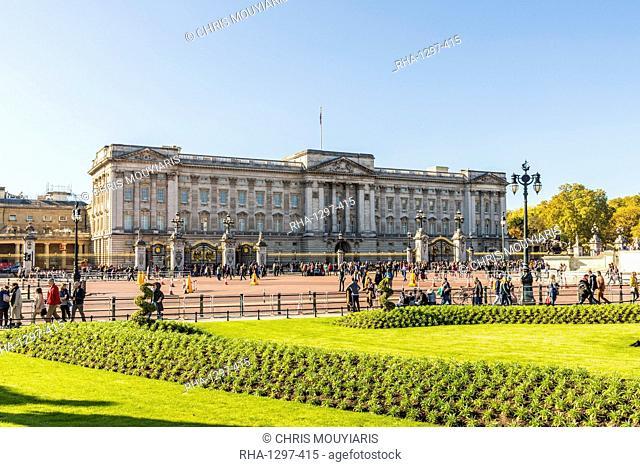 Buckingham Palace, London, England, United Kingdom, Europe
