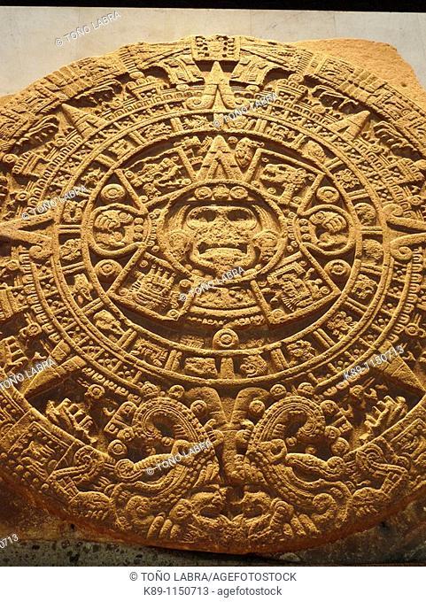 Calendario azteca o Piedra del Sol). Museo Nacional de Antropologia. Ciudad de Mexico