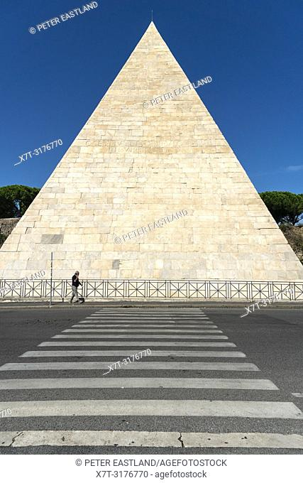 The 1st centuary Pyramid of Cestius, the tomb of Gaius Cestius, a Roman Magistrate. In the Ostiense district, Rome, Italy