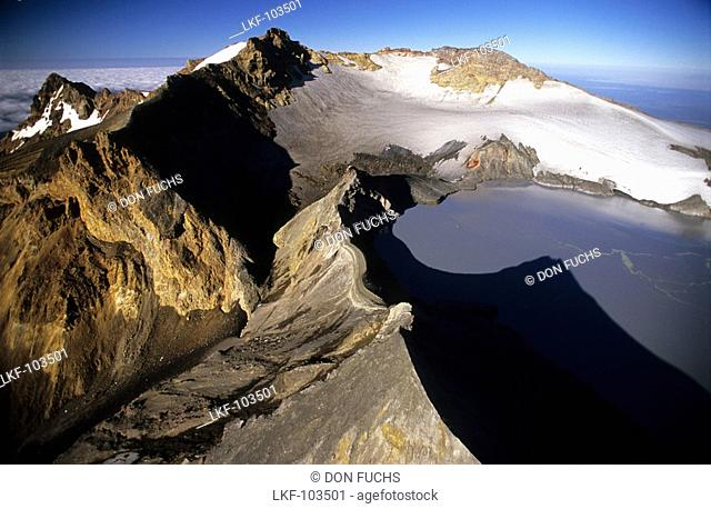 Peak of Mt. Ruapehu with crater lake, North Island, New Zealand