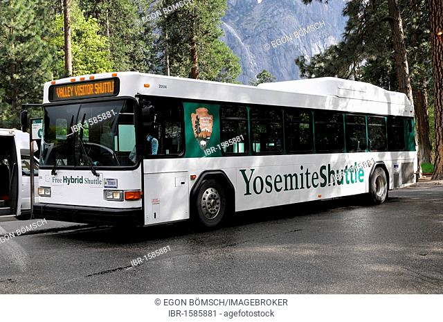 Shuttle bus in Yosemite National Park, California, USA, North America