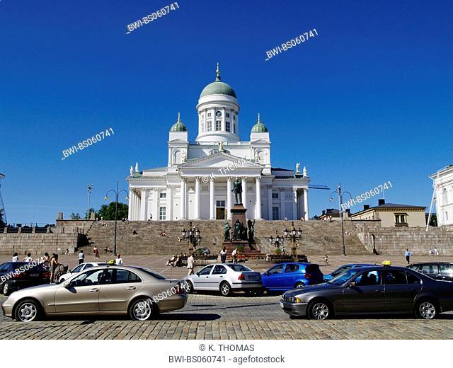 Helsinki, Senate Cathedral on Senate Square, statue of Tsar Alexander II, Finland, Helsinki