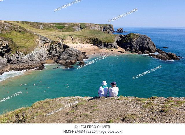 France, Morbihan, Belle Ile en Mer, the wild coast, along the GR340 between the Pointe des Poulains and Herlin beach (Bangor village), Baluden beach