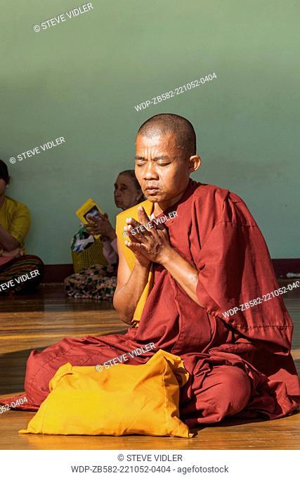 Myanmar, Yangon, Shwedagon Pagoda, Monk Praying