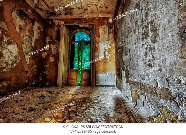 Novi Ligure, Piedmont, Italy, Abandoned house 1800