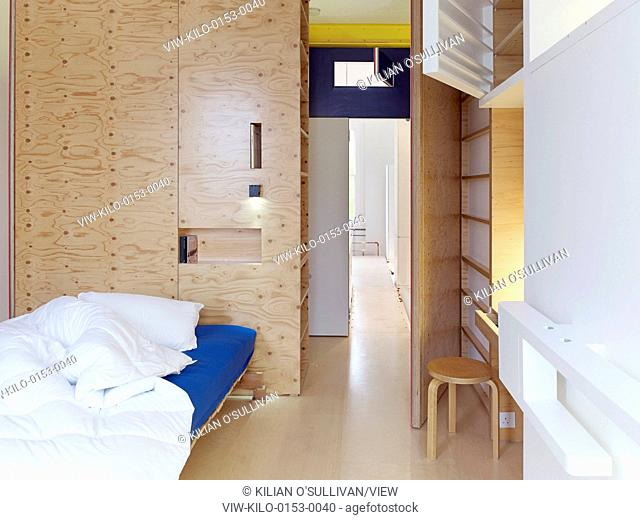 2 into 1, London, United Kingdom. Architect: Andrew Pilkington Architects, 2013. Bedroom