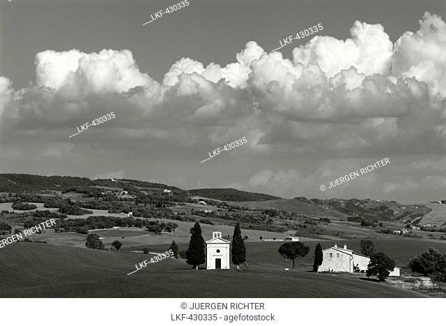 Vitaleta chapel, Cappella di Vitaleta, cypresses, near Pienza, Val dOrcia, Orcia valley, UNESCO World Heritage Site, province of Siena, Tuscany, Italy, Europe